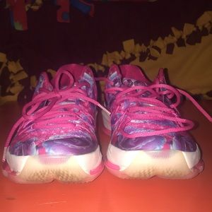 "KD 8 ""Aunt Pearl"" Size 11"